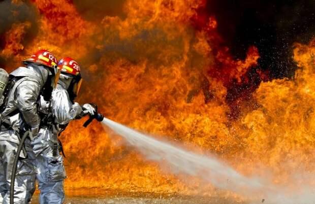 В Миссури произошел крупный пожар на химическом предприятии
