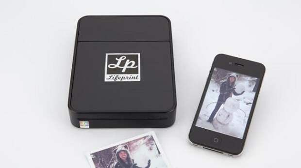 Карманный принтер LifePrint распечатывает фото друзей из сети всего за минуту