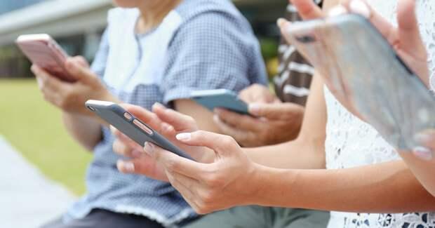 Больше половины опрошенных россиян не представляют свою жизнь без интернета