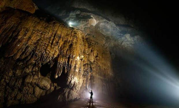 Фермер наткнулся на скрытую пещеру. Ход привел его в настоящий подземный мир
