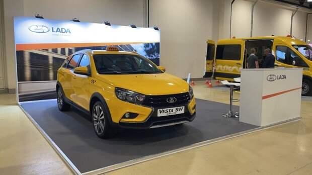 Ижевский автозавод будет выпускать автомобили LADA Vesta SW Cross в оклейке «такси»