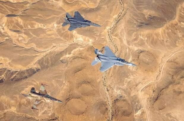 Авианалёт на проиранские силы в Восточной Сирии: Израиль и США отмалчиваются