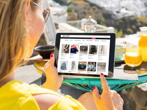 Ресейл-маркетплейс LUXXY купил онлайн-площадки WantHerDress и themarket