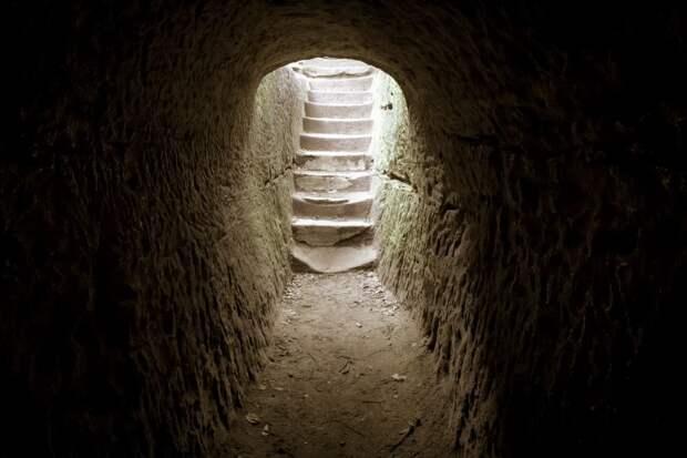 Археологи срочно засекретили найденную в Ирландии нетронутую гробницу
