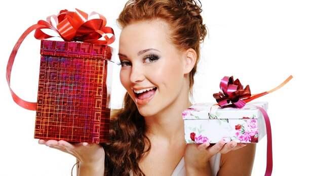 Женщины рассказали, какой подарок на 8 марта самый лучший
