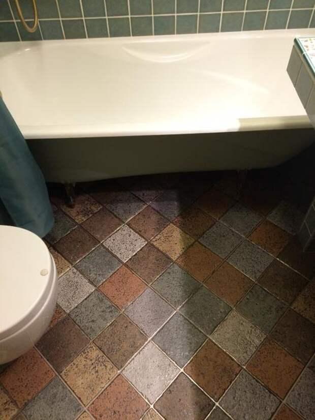 Керамическая плитка квадратики на полу