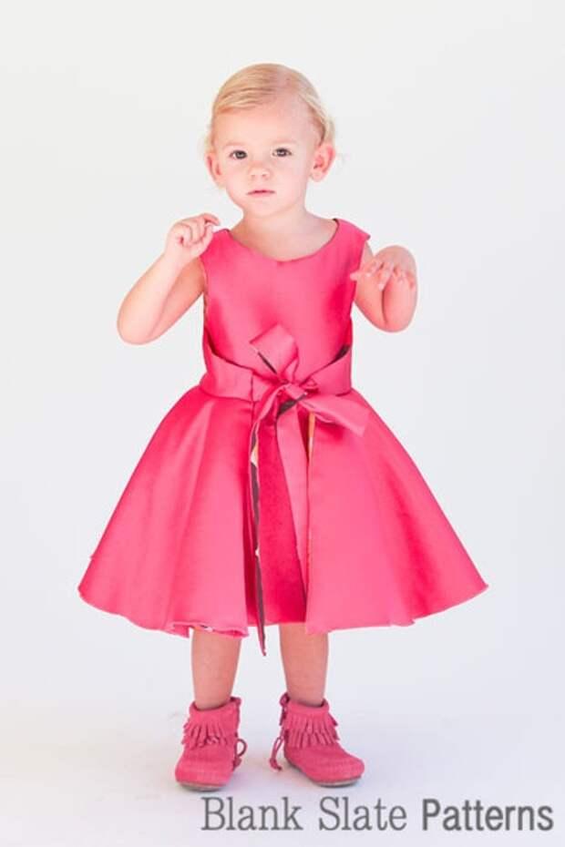 Интересное двусторонее детское платье