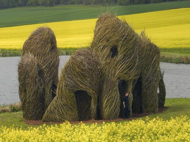 Close Ties by Patrick Dougherty