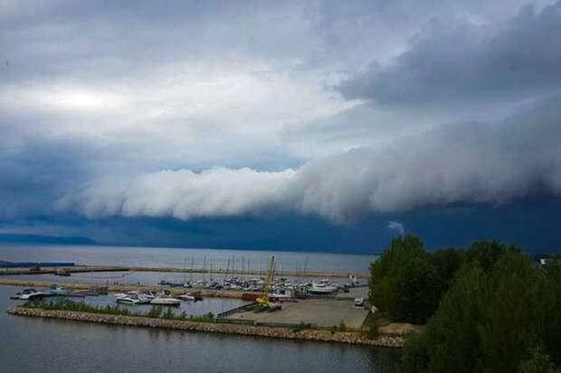 01-07-2015-zatopilo-dozhd-grad-groza-molniia-15