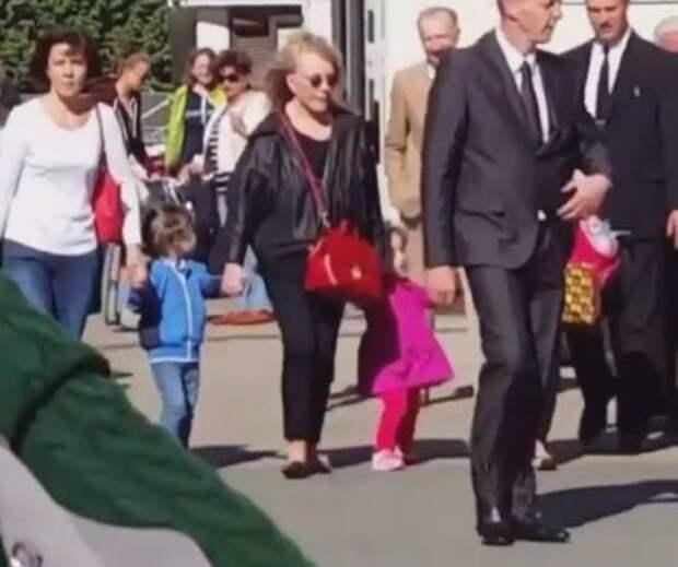 Пугачева перебралась в Латвию