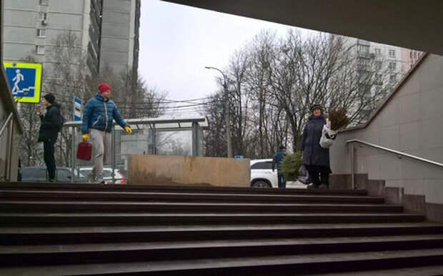 Москва повсюду расставляет бетонные блоки от автобусов