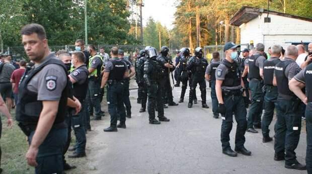 Брюссель мстит Вильнюсу за ситуацию с мигрантами – эксперт