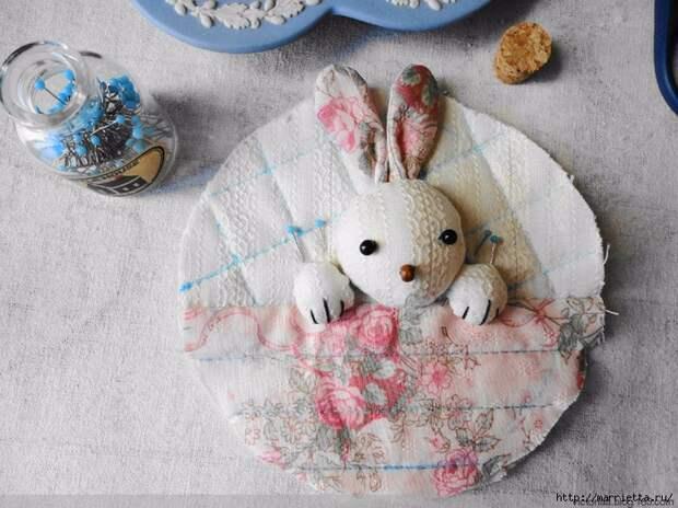 Лоскутное шитье. Кошелек с кроликом (54) (700x524, 328Kb)