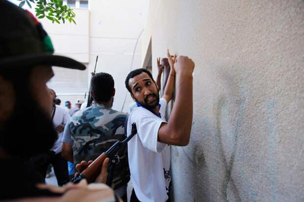Силовики ПНС Ливии незаконно задержали парламентария в Триполи