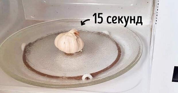 Зачем перед нарезкой опытная хозяйка кладет лук в морозильник