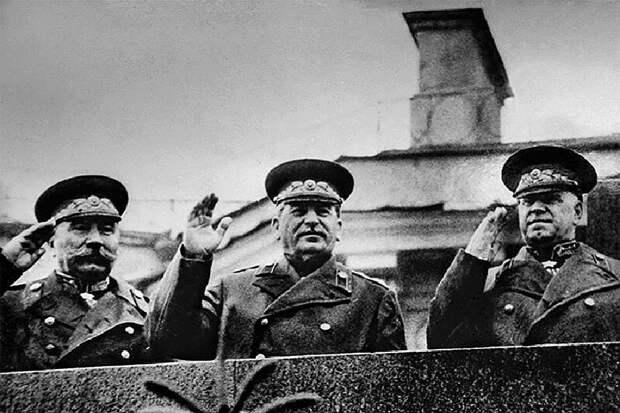Невежды в РВИО заявили, что Сталина не было на параде Победы