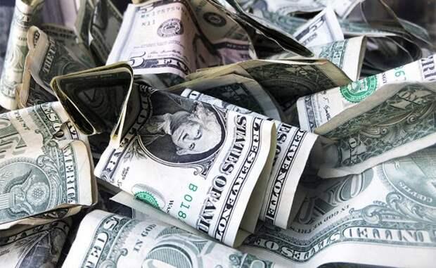 Американцы могут признать все доллары за пределами США пустыми бумажками
