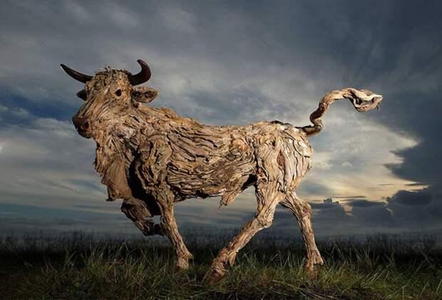 Животные в движении от скульптора с Филиппинских островов.