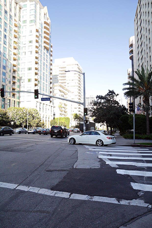 Движемся дальше. Перекресток Wilshire Blvd и Selby Avenue. америка, асфальт, дороги, лос-анджелес