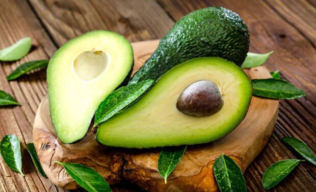 Употребление авокадо полезно для профилактики болезни Альцгеймера. /Фото: youmatter.world