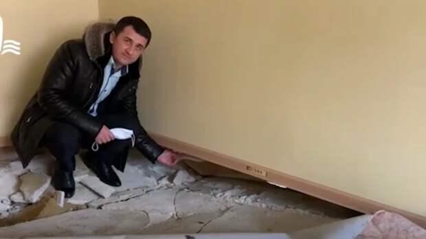 Чиновники объяснили, почему рухнул пол вквартирах для сирот вЦелинском районе
