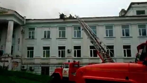 Двух пациентов горящей больницы в Приморье перевели в Находку
