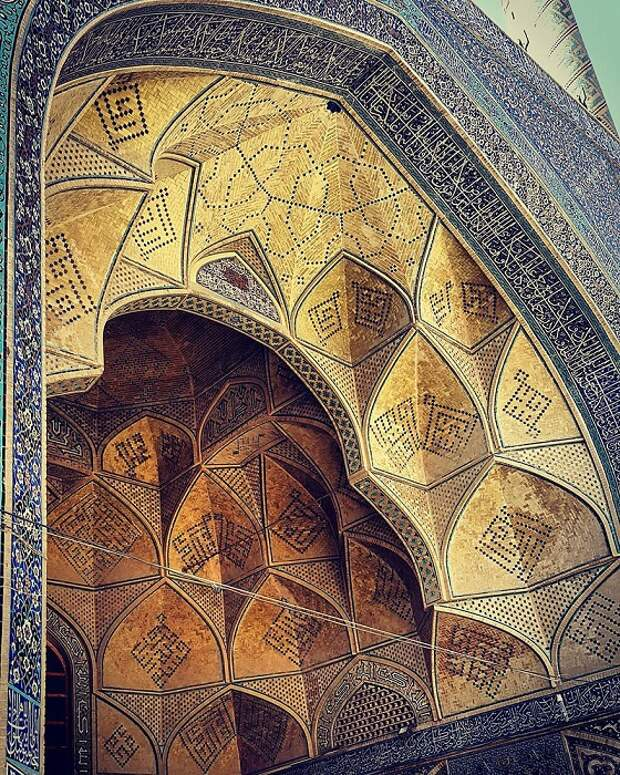 Тонкость иранской архитектуры и дизайна.