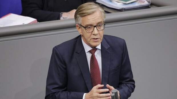 Депутат Бундестага: Россию нельзя поставить на колени