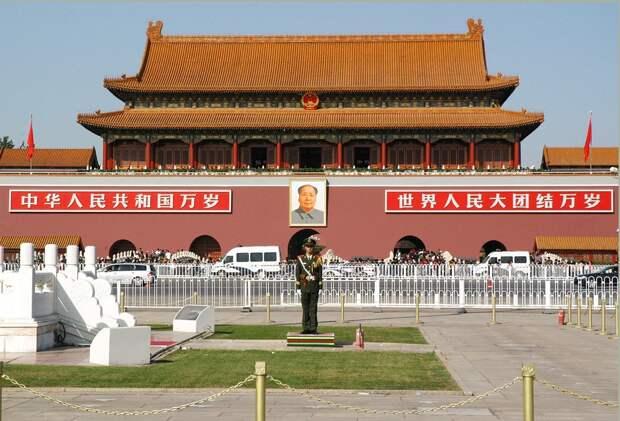 200 британских ученых могли передавать военные тайны разведке КНР
