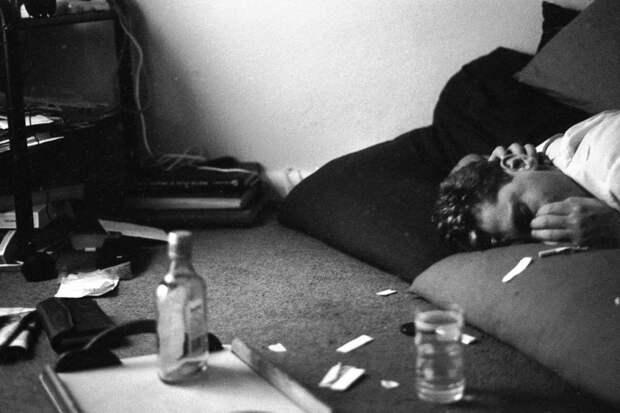 Утро добрым небывает: «похмельные» фотографии Тревора Флетчера