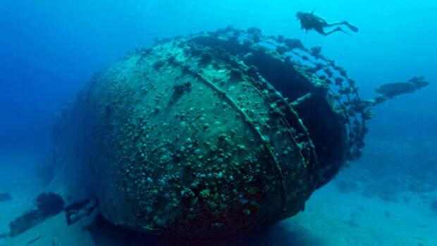 Фотограф снял затонувшие корабли мира