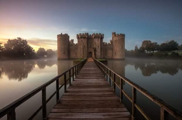 Замок Бодиам, Англия.