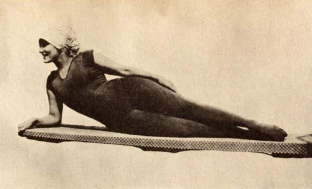 Как изменились женские купальники за последние 100 лет