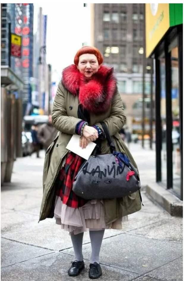Как выглядит сотрудница журнала Vogue, которая критикует звезд за отсутствие вкуса