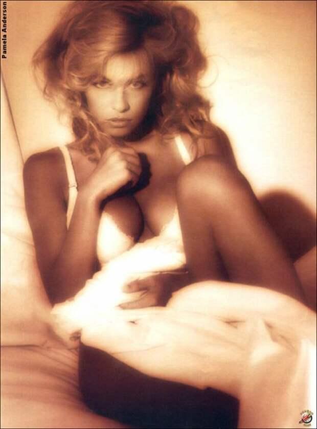 Сексуальная Памела Андерсон в молодости