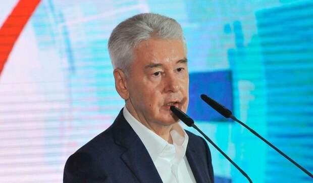 Мэр Москвы сообщил о сохранении ограничений по COVID-19 в 2021 году