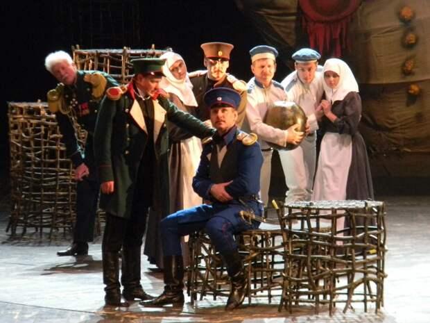 Труппа крымского театра устроила «спектакль» в зарплатных ведомостях