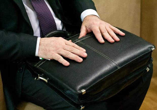 В кабмине предложили конфисковывать украденные чиновниками деньги