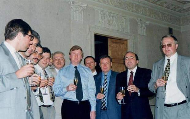 олигархи хозяева России, 90-ые, Ельцин, ельцинизм|Фото: delyagin.ru