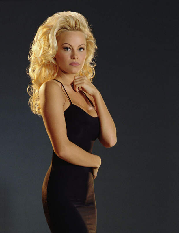 Памела Андерсон (Pamela Anderson) в фотосессии Рона Грепера (Ron Groeper) (1996), фото 6