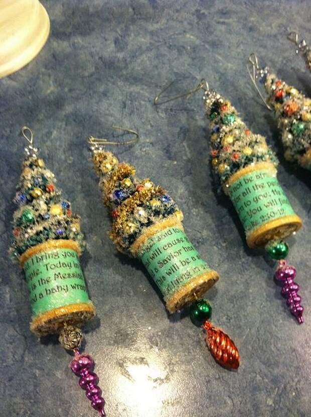 tree &spool ornament