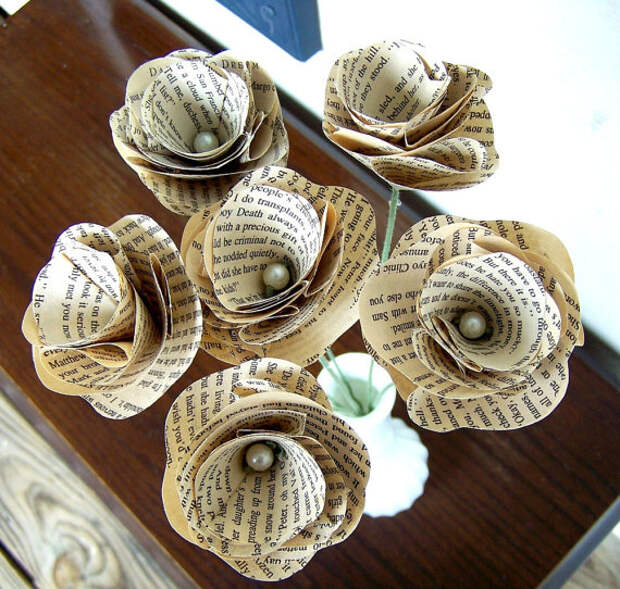 Book Page Flowers, Vintage Paper Flowers, Paper Roses, 6 Paper Stem Roses, Eco Wedding Flowers, DiY Wedding Flowers