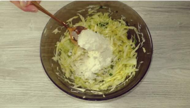 2 яйца, четверть кочана капусты и вкусное блюдо «Сытый еврей» готово