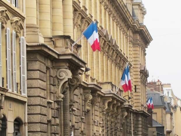 Правительство Франции распродаст автопарк