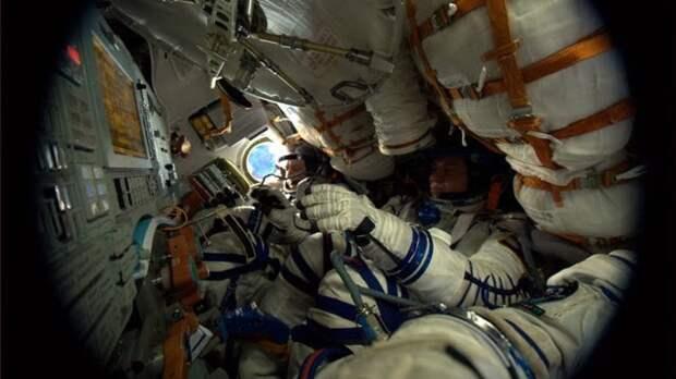 Роскосмос выяснит, можно ли менять организм человека для полетов в дальний космос
