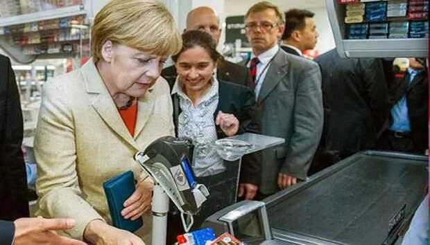 Святая Меркель ходит по воде