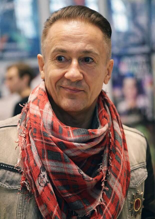 Олег Меньшиков намерен судиться с уволенными актерами театра Ермоловой для защиты репутации