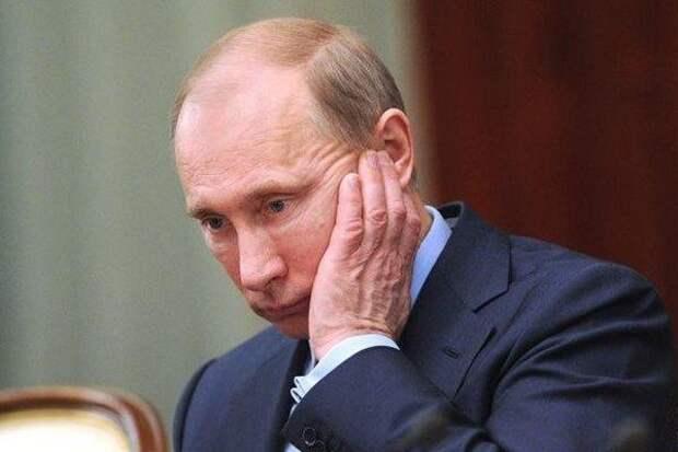Рейтинг доверия Владимиру Путину рухнул менее чем за год с 59% до 39%