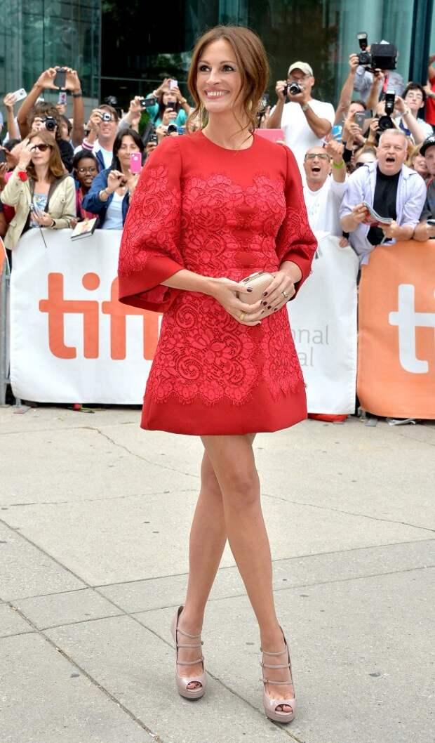 Julia Roberts red dress