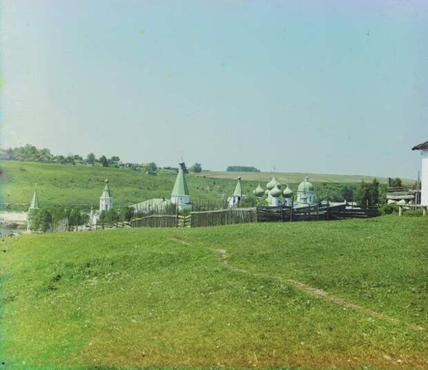 Старица глазами С.М. Прокудина-Горского (1910 г.)